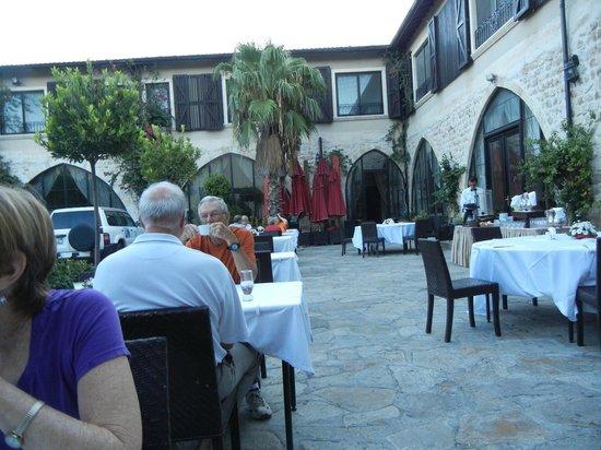 Savon Hotel: Hotel Courtyard/Patio