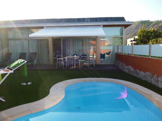 Anfi Opal Villas : Pool and living area of villa
