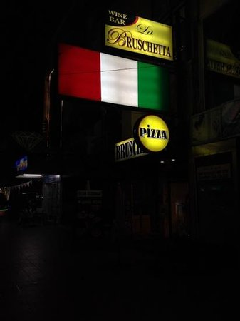 La Bruschetta Italian Ristorante: worst place