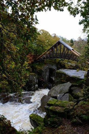 Bracklinn Falls Bridge and Callander Crags : Bridge over the falls