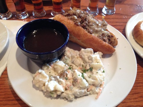 Blue Mountain Brewery: French dip and potato salad