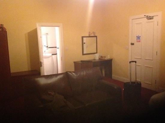 The Ballantrae Hotel: room 16