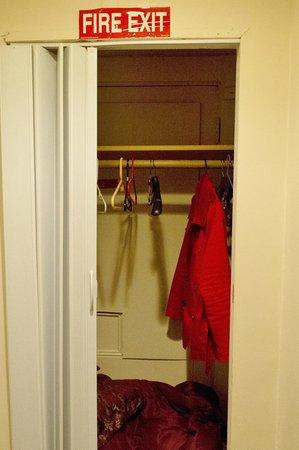 463 Beacon Street Guest House: Fire escape