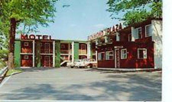 Richmond Plaza Motel