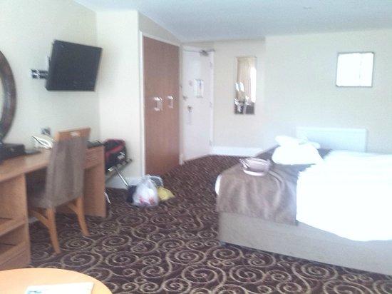 Legacy Rose & Crown Hotel: In room 21
