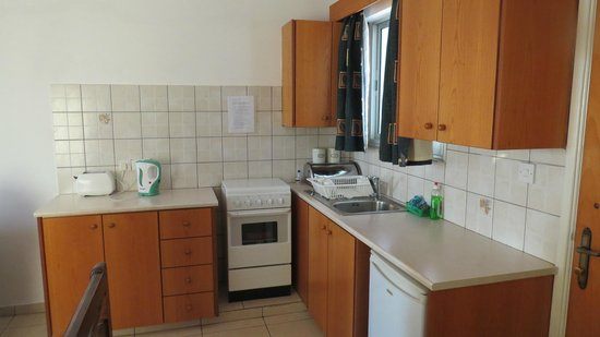 Petsas Apartments : Kitchen