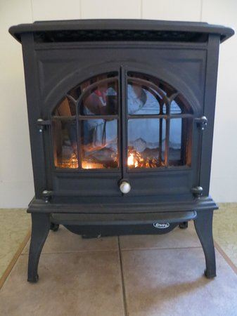 Holiday Bay Cottage Rentals : Gas heater in Boston Light room