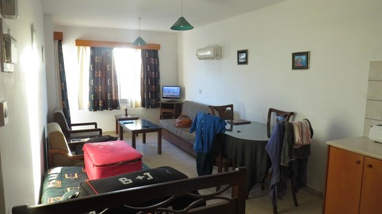 Petsas Apartments : Main room
