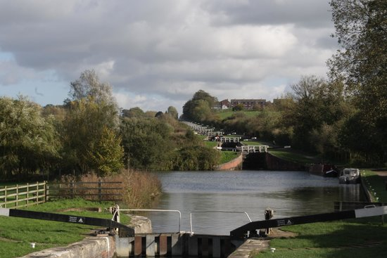 Caen Hill Locks: View from the bottom!