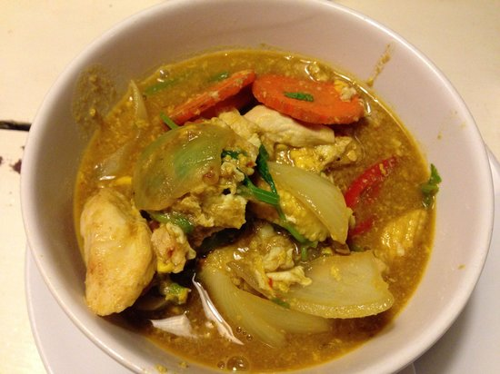 Drunken Sailors : Red curry stir fried. Too watery.