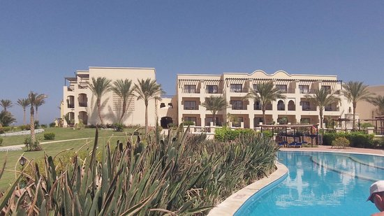 Jaz Lamaya Resort : our bedroom from the pool