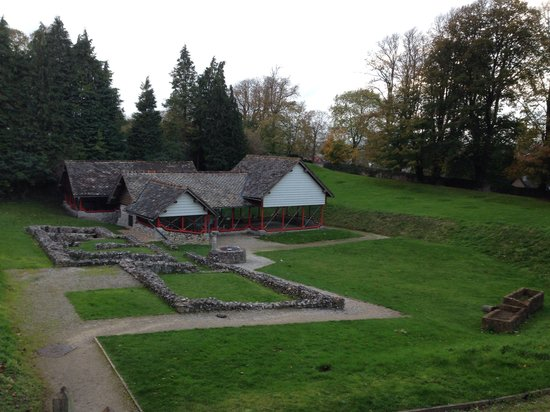 Romano-British House: Looking on to the town house & remains