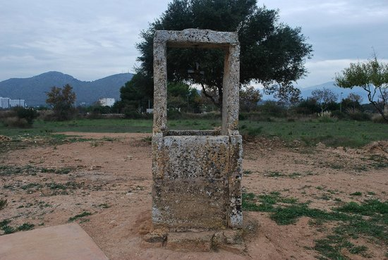 Pol·lentia : roman well