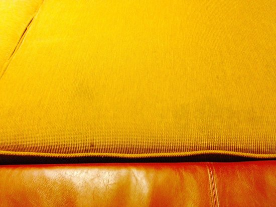Hyatt Place Columbia: Need upholstering