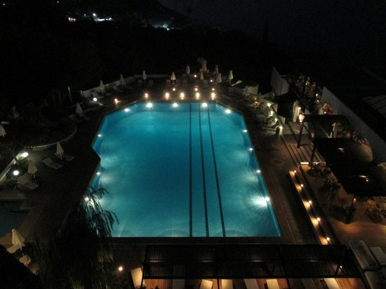 Lindos Mare Hotel: Pool am Abend