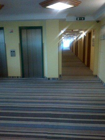 Mercure Torun Centrum: korytarz