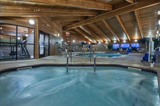AmericInn Lodge & Suites Fort Dodge