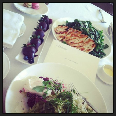 Viceroy L'Ermitage Beverly Hills: Room Service   Quick and Delicious!
