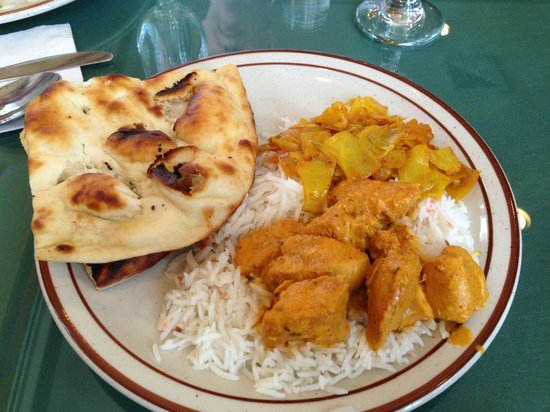 Sample Buffet Dish @ Maharaja Indian Restaurant. Mansfield Center, Mansfield, CT