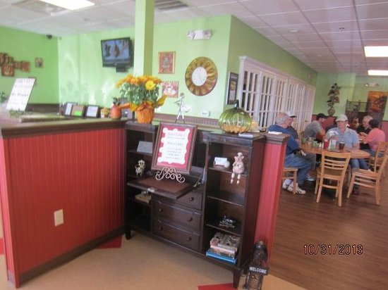 Bacon's Bistro and Cafe: Entrance area