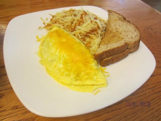 Bacon's Bistro and Cafe: Omelet