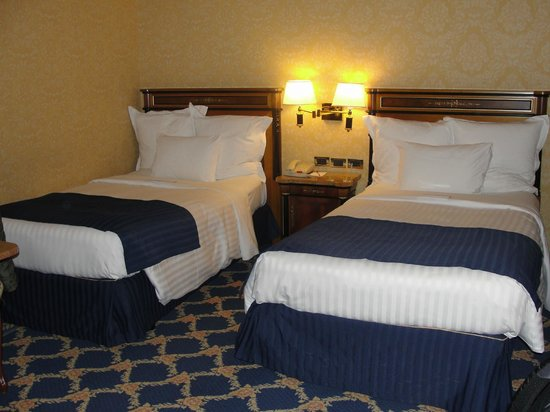 Milan Marriott Hotel : camas