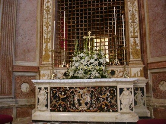 Santuario Madonna della Salute Monteortone: Altare Maggiore