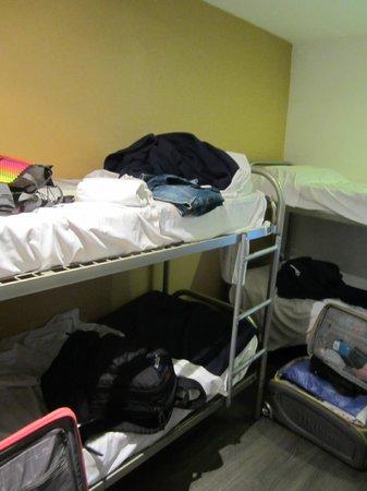 Plug-Inn Hostel: Female Dorm (4)