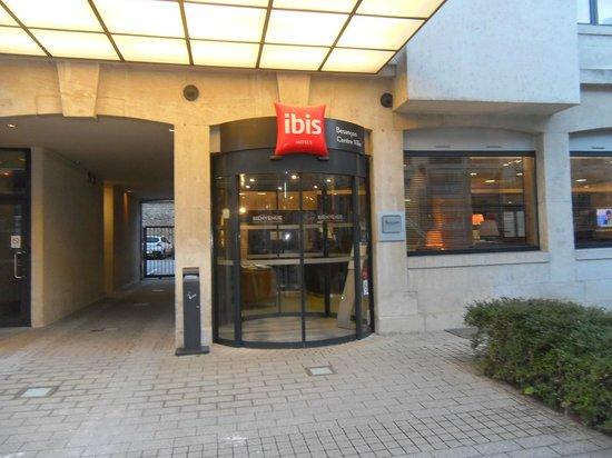 Ibis Besancon Centre Ville : entrée
