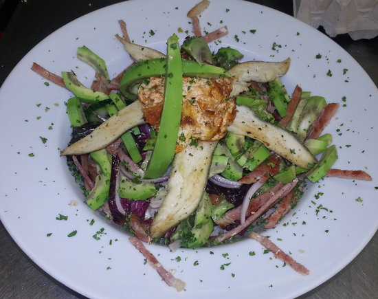 Millennium Coffee Restaurant: cob salad