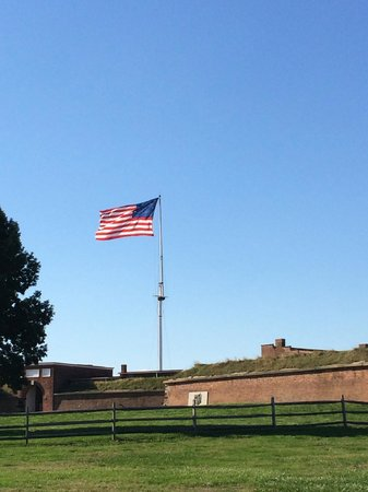Fort McHenry National Monument : Fort