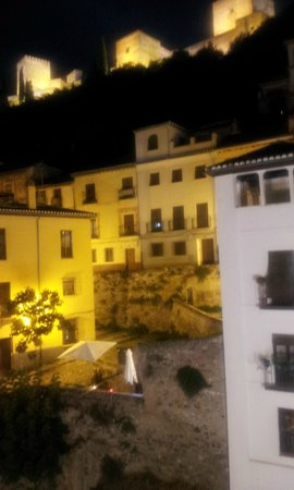 Shine Albayzin: view from room at night looking at Alhambra