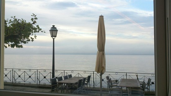 Hotel zum Schiff: Amazing view during breakfast.
