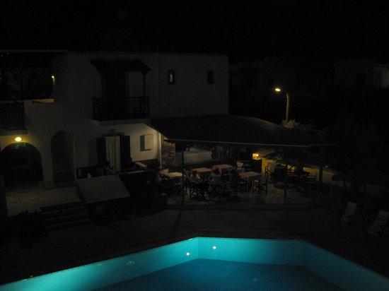 Agios Prokopios Hotel: Hotel Agios di sera