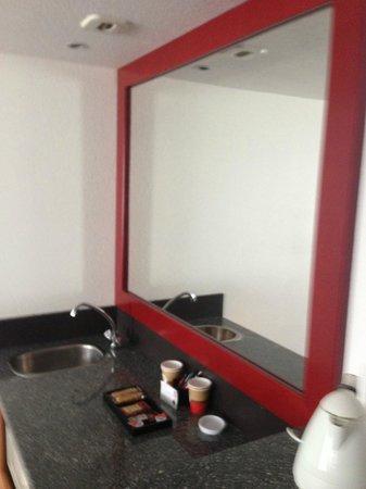Novotel Suites Montpellier : room