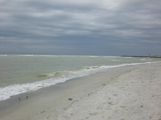 Castaways Cottages of Sanibel: beautiful uncrowded beaches
