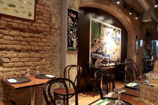 Rakumi Restaurant