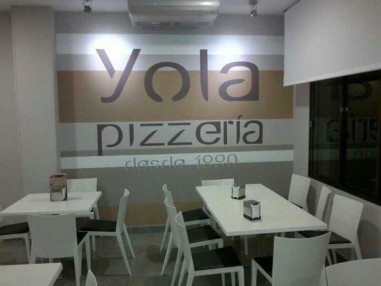Nueva decoraci n fotograf a de pizzeria yola rota for Decoracion pizzeria