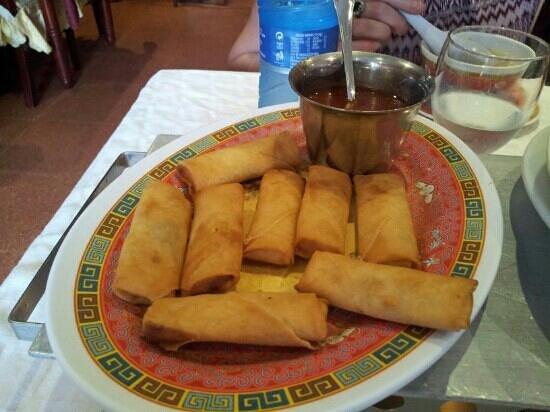 China Garden: mini spring rolls...