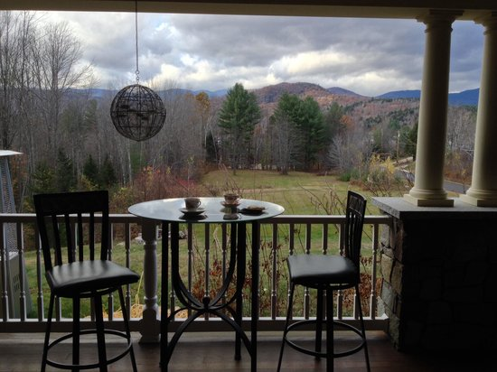 The Inn at Thorn Hill & Spa: View from the porch