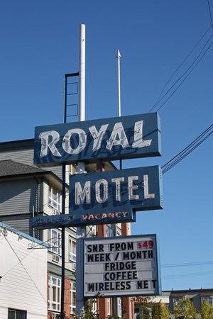 Casino Royal Dragon Review - Expert Ratings Guide