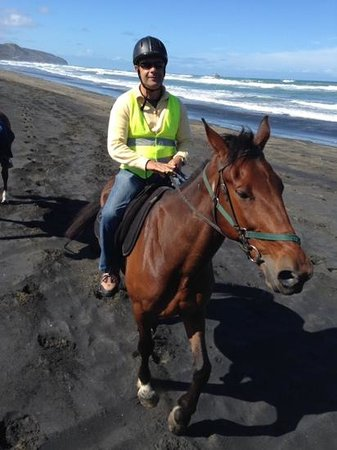 Muriwai Beach Horse Treks: beach ride