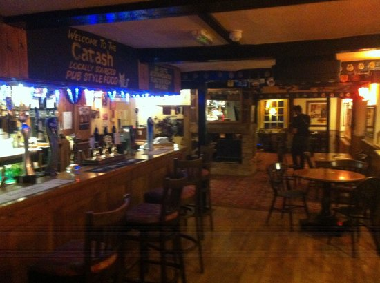 Catash Inn: Main bar