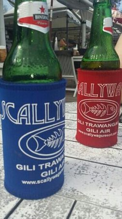 Scallywags Resort: coldest beer on gili