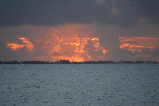 Nanihi Paradise: Sunset over the Lagoon