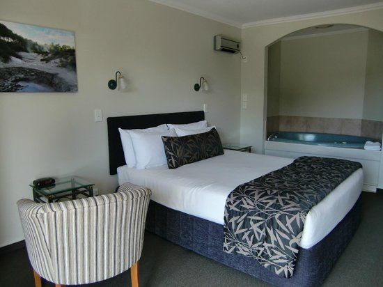 Silver Fern Rotorua - Accommodation and Spa: Second floor hotel room