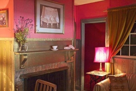 Amphitheatre Hotel B&B: Eat in the Fabulous Ladies Parlour