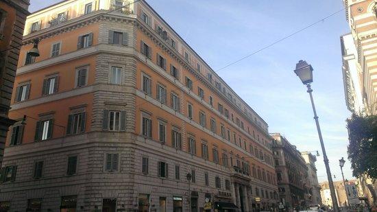 Amaranto Romano: Hotel Exterior