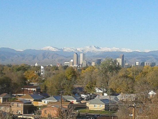 Holiday Inn Denver East-Stapleton: room view. Rdr