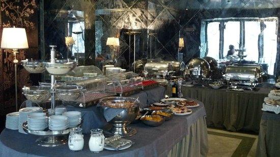 Bauer Hotel: Breakfast buffet